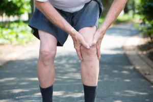 退化性關節炎症狀和類風濕性關節炎症狀有哪些? 解析關節炎種類原因- 疼痛知識家